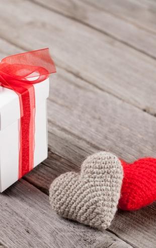 Подарок на 14 февраля любимому: что купить, чтобы ему точно понравилось
