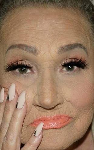 Красоте все возрасты покорны: визажистка показала прекрасное перевоплощение своей 80-летней бабушки