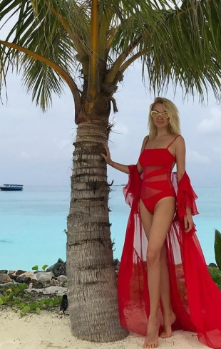 Как отдыхают звезды: Яна Рудковская похвасталась стройной фигурой на Мальдивах (ФОТО)