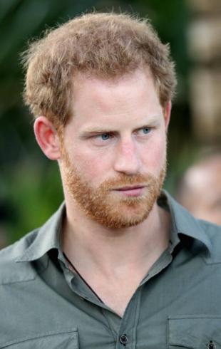 Свадьбе быть: королева Елизавета II одобряет роман принца Гарри и Меган Маркл