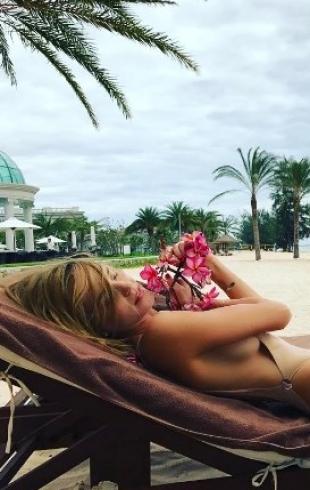 """Глюкоза про отношение мужа к ее Instagram: """"Он жалуется, что подписчикам достается больше красоты"""""""