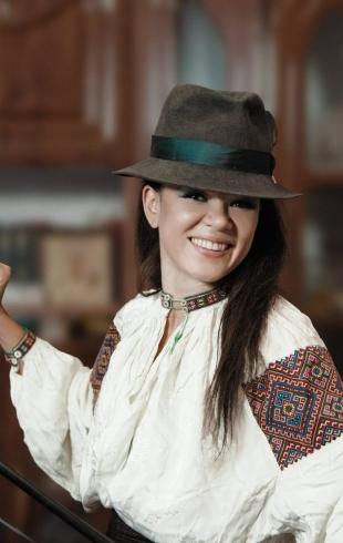 Руслана пробежалась по снегу в мини-шортах (ФОТО)
