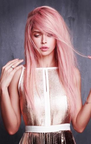 Вера Брежнева удивила неожиданной сменой имиджа: певица перекрасила волосы в розовый цвет  (ФОТО)