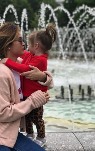 Ксения Бородина впервые показала лицо младшей дочери Теоны (ФОТО)