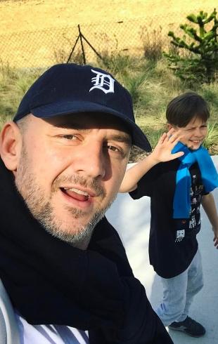 Папина гордость: 8-летний сын Потапа окончил учебный год, будучи отличником (ФОТО)