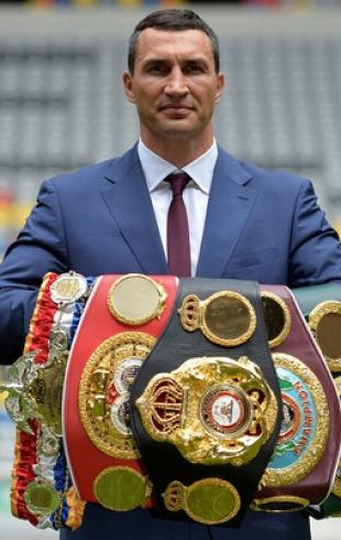 Официально: боксер Владимир Кличко завершил спортивную карьеру (ВИДЕО)