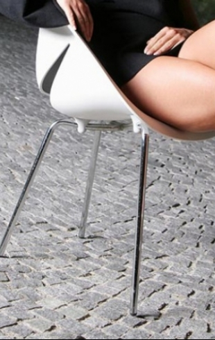 Скрещивать ноги опасно для здоровья: миф или правда