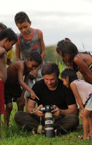 Это маленькая смерть: Дмитрий Комаров испытал на себе древние ритуалы индейцев Амазонии