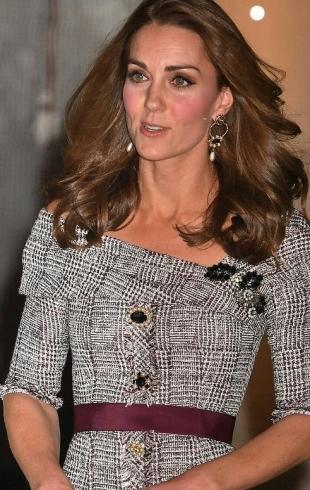 Кейт Миддлтон впервые в качестве патрона посетила музей Виктории и Альберта в Лондоне (ФОТО)