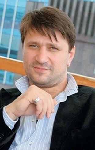 """""""Жалею, что не смог сберечь близких"""": Виктор Логинов о тяжелом детстве и потери брата"""