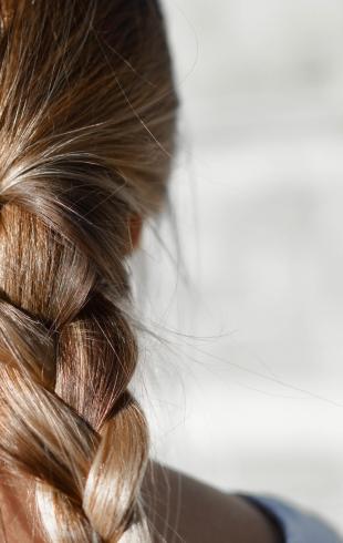 Что такое мезотерапия для волос: основные плюсы и минусы