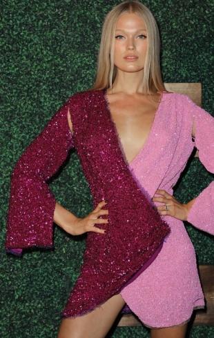 Модель Victoria's Secret Вита Сидоркина родила от миллионера из Италии
