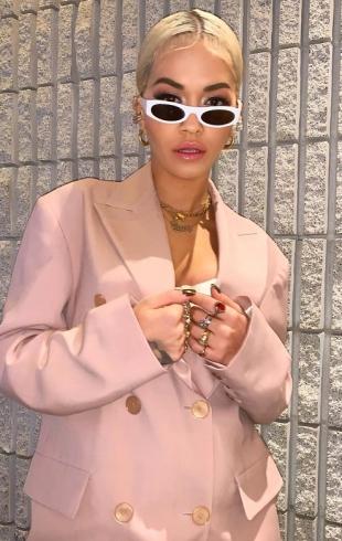 Певица Рита Ора в соблазнительной фотосессии напомнила Бейонсе (ФОТО)