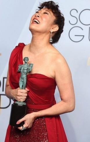 Леди Гага, Даррен Крисс, Сандра О и другие: звезды на красной дорожке Гильдии киноактеров США