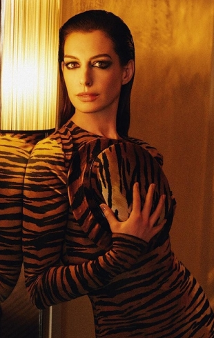 Энн Хэтэуэй в соблазнительных образах снялась для модного глянца (ФОТО)