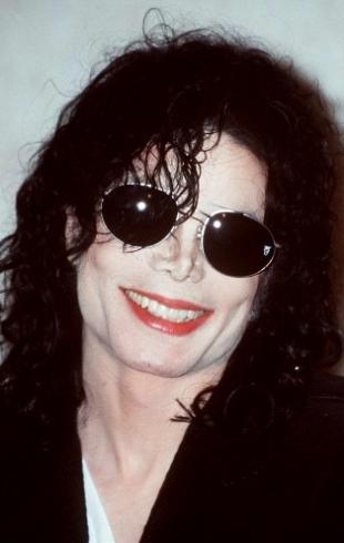 Мадонна встала на защиту обвиненного в педофилии Майкла Джексона
