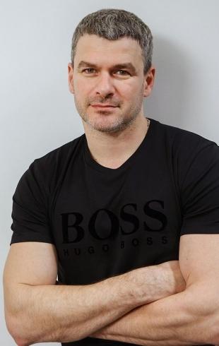 Арсен Мирзоян отмечает день рождения: вспоминаем лучшие клипы музыканта