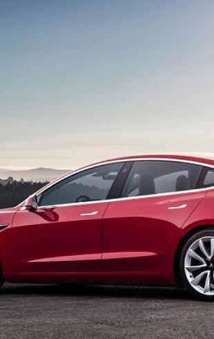 Американская девушка-инженер вживила себе чип для разблокировки Tesla Model 3