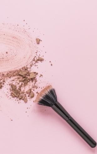 Пять спростых способов закрепить макияж