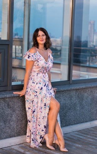 """Актриса Ірина Хоменко: """"Іноді доля сама допомагає тобі в твоїх таємних бажаннях"""" (ЕКСКЛЮЗИВ)"""