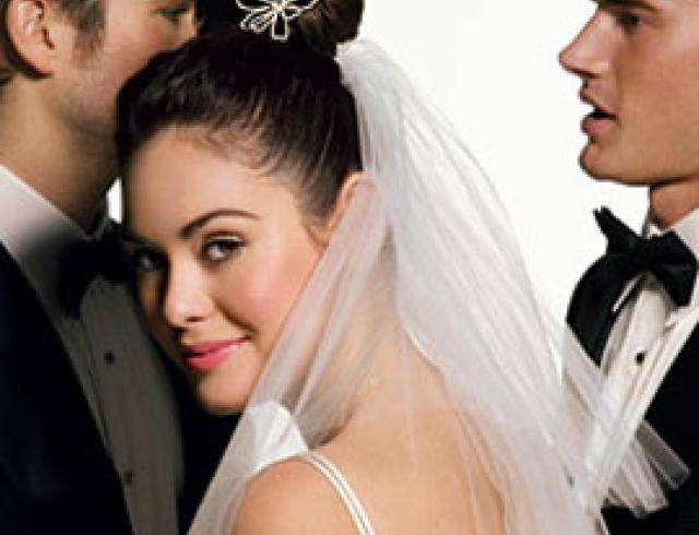 Как сделать стойкий свадебный макияж?