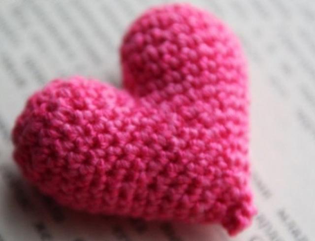 Мастер-класс: вяжем мягкие сердечки