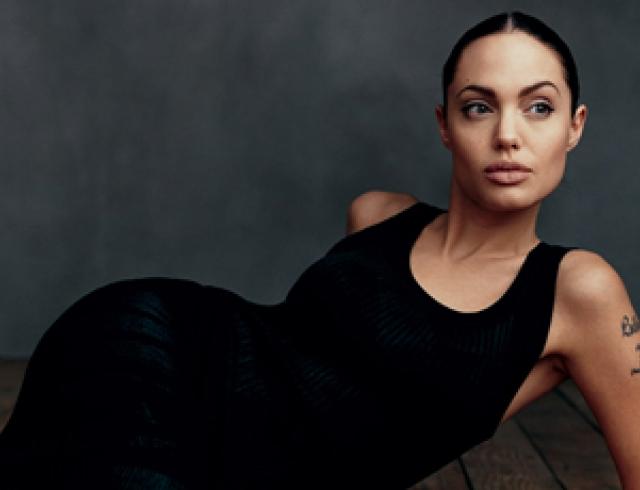 Лучшие фотосессии Анджелины Джоли для Vogue