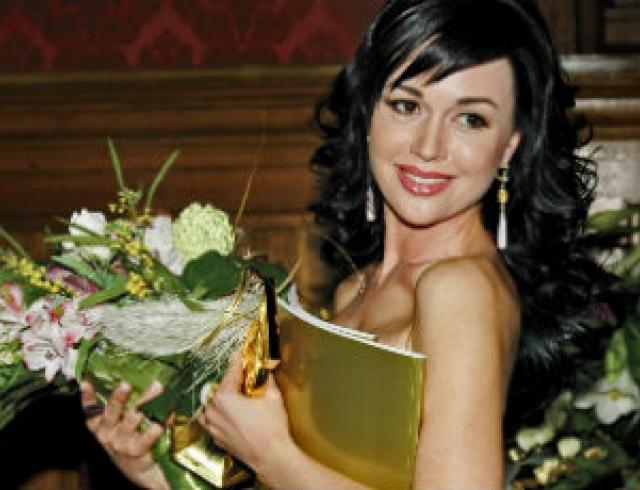 """Анастасия Заворотнюк: """"Каждая моя поездка в Киев - это заряд адреналина!"""""""