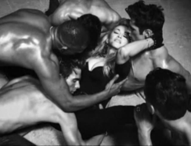 Украинские Kazaky снялись в клипе Мадонны. Видео