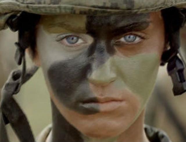 Кэти Перри ушла в армию. Видео
