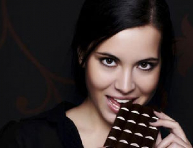 Черный шоколад лечит болезни печени