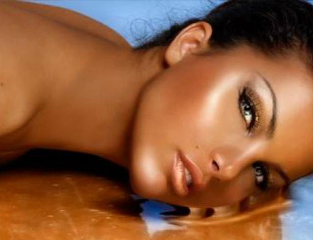 Как сделать красивый бронзовый макияж?