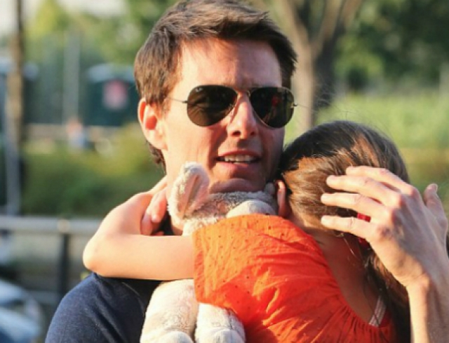 Том Круз впервые увидел Сури после разрыва с женой. Фото