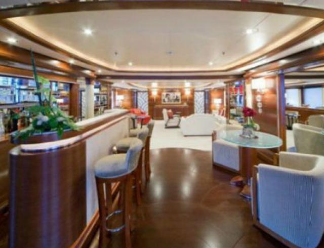 Как выглядит роскошная яхта Рианны  изнутри. Фото