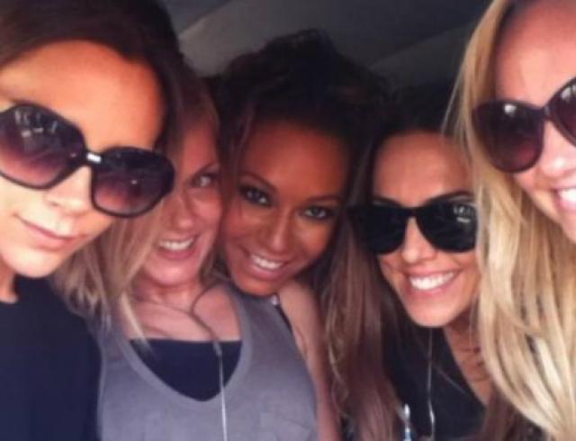 Как Вики Бекхэм веселится с участницами Spice Girls? Фото