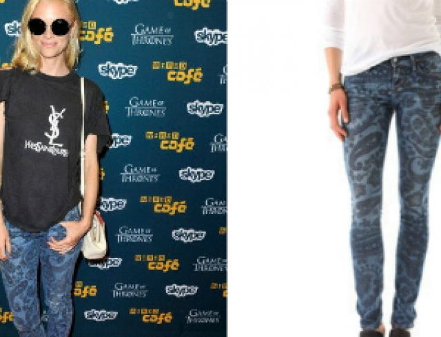 Звездный тренд: джинсы с принтами