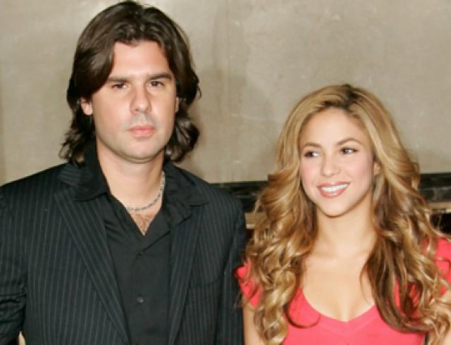Экс-бойфренд Шакиры требует от нее деньги