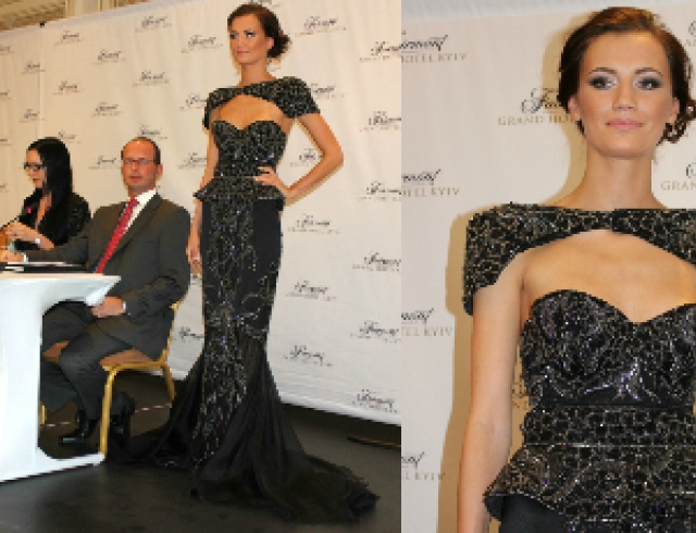Самое дорогое в мире черное платье привезли в Киев. Фото