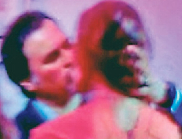 Меладзе напал на журналистку из-за своих страстных поцелуев с Джанабаевой