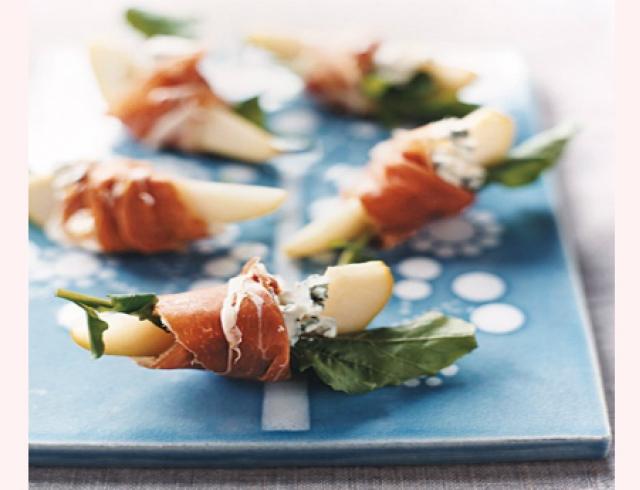 Праздничная закуска с голубым сыром