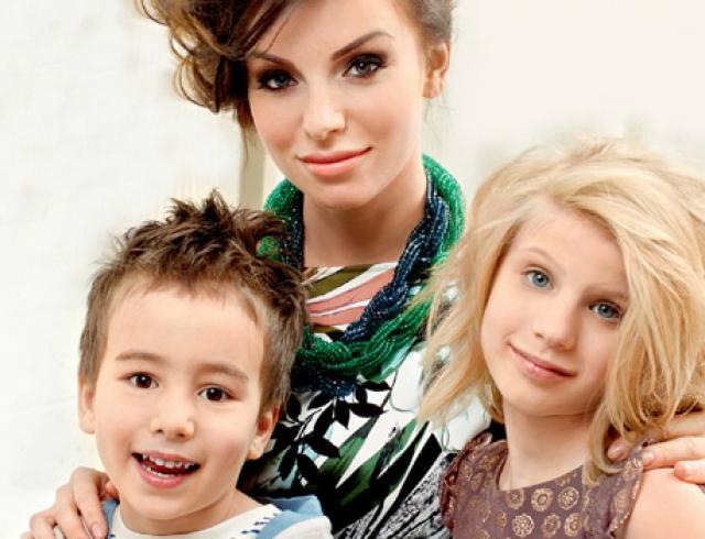 Юля Волкова показала своих детей в новой фотосессии. Фото