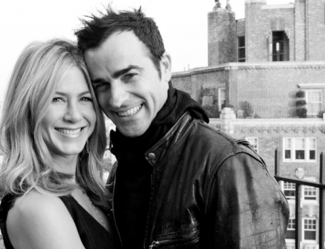 Западные СМИ: Энистон и Теру поженились