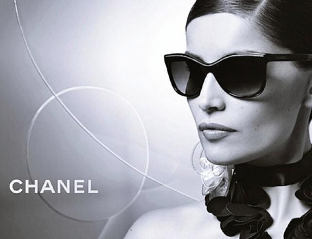 Летиция Каста рекламирует оправы от Chanel