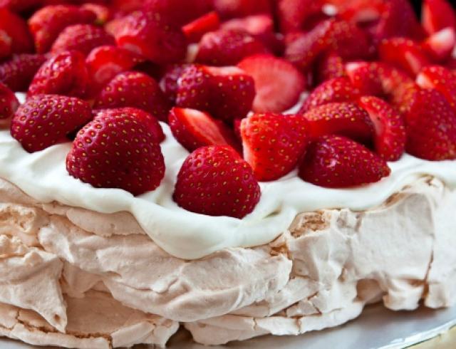Десерт от Аиды Николайчук: торт Павлова