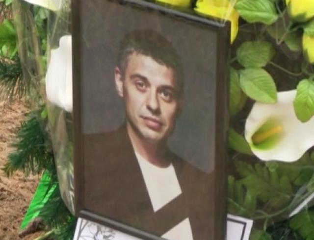 Тина Кароль похоронила мужа на Берковецком кладбище