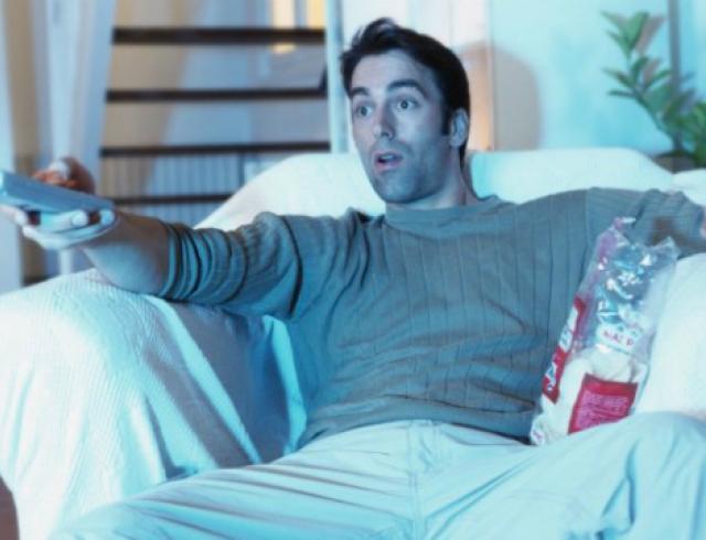 Как преодолеть завимость мужчины от телевизора