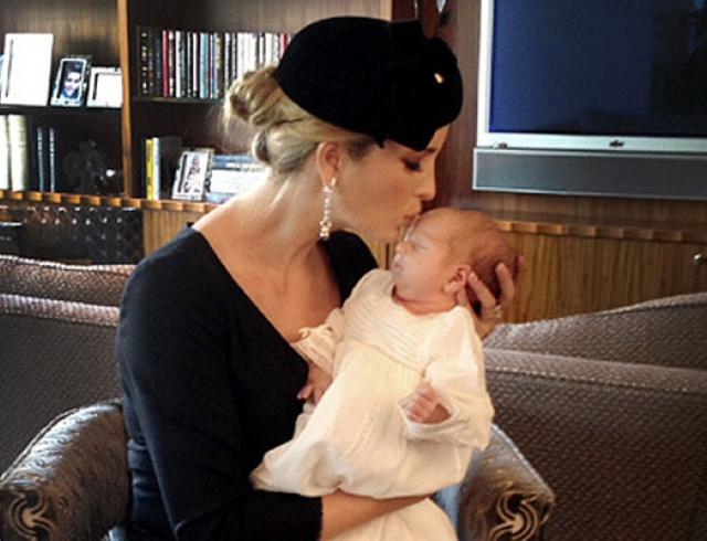Иванка Трамп показала фото новорожденного сына