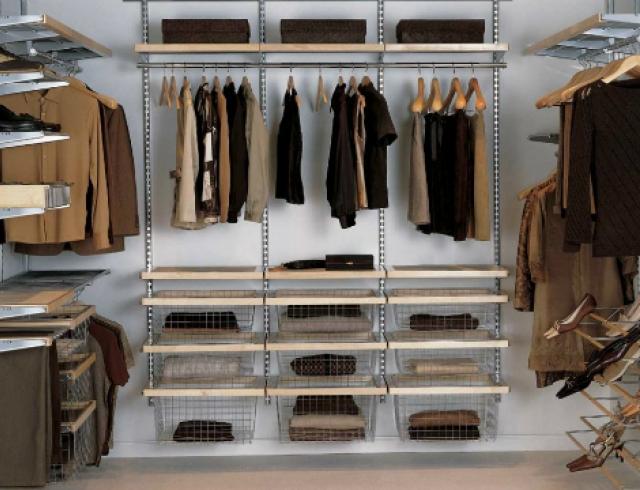 Как оборудовать в доме гардеробную комнату