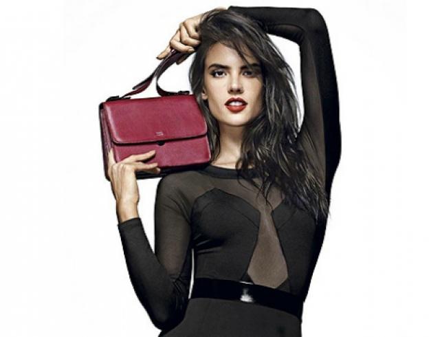 Алессандра Амбросио представила новую коллекцию обуви бразильского бренда Schutz