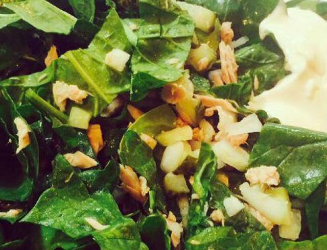 Кулинарный блог Рады Макогон: салат из шпината с тунцом